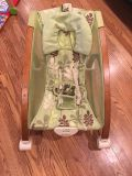 Fisher price Brentwood baby rocker vibrating
