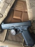 For Sale: Glock 17 gen 5 with extras