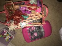20 barbies with car