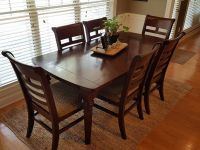 Beautiful dining table and 6 chairs, solid wood