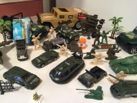 Large lot of army men & cars!!