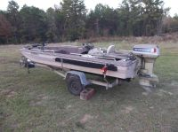 1983 kingfisher bass boat with 55 evinrude and trailer runs great