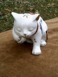 Japanese Kutani Gold Gilded White Porcelain Cat With Butterflyies