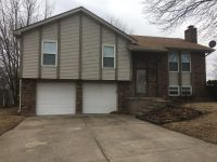 $1395 3 apartment in Independence