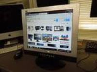 "Viewsonic Vg700 17"" Lcd Monitor with Built in Speakers"