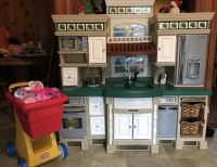 Huge step 2 kitchen with shopping cart of extras $100