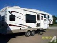 2009 Keystone Montana-Mountaineer 295RKD 5th Wheel Camper LIKE N