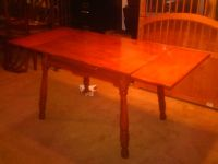 1940'S/1950'S ANTIQUE TABLE WITH DOUBLE LEAFS