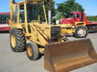 $2,500, strong tractor Ford Backhoe Loader Model 555A XL