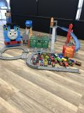 Thomas the train 2 portable tracks/26.cars dial cast magnetic carrying case $60