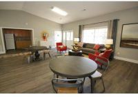 2 Beds - Lincoln Plaza at Lakeview Trails