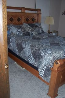 Queen Bed w/Mattress and Box Springs
