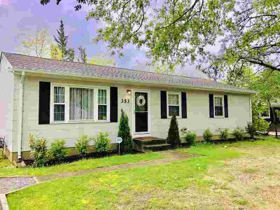 353 Coolidge Avenue BAYVILLE Three BR, Beautiful