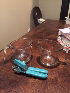 Measuring cups & can opener