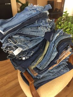 Hollister-Abercrombie & OTHER Name Brand Jeans & Clothing (girls-teen-woman small sizes)