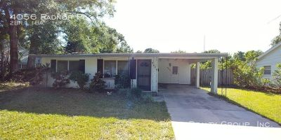 Cottage Style 2 bed/ 1 bath POOL Home Available in August!