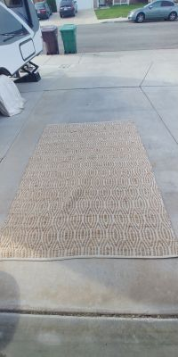 "Beautiful jute area rug 60"" x 84"" = 5' x 7'"