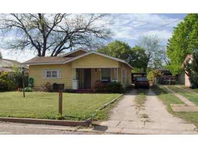 2 Bed 1 Bath Foreclosure Property in Eastland, TX 76448 - Garvin St