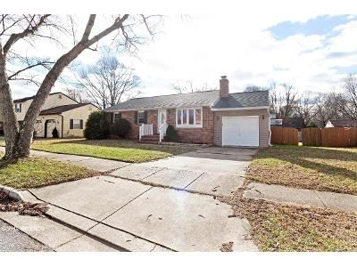 3 Bed 2 Bath Foreclosure Property in Severn, MD 21144 - Evergreen Rd
