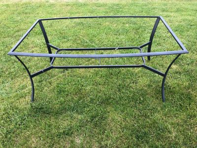 Patio table frame - needs new glass - FREE