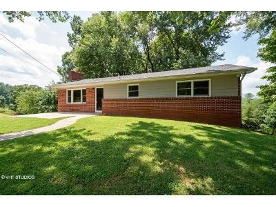 3 Bed 1 Bath Foreclosure Property in Leicester, NC 28748 - Bear Creek Rd