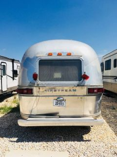 No leaks Airstream Excella trailer 31ft