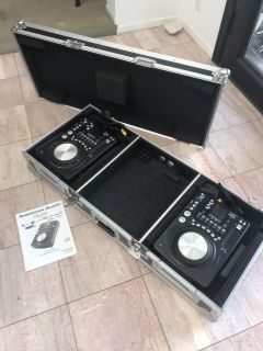 2 AMERICAN AUDIO CDI-500 CD Scratch Simlulating DJ Player with Road Ready Case