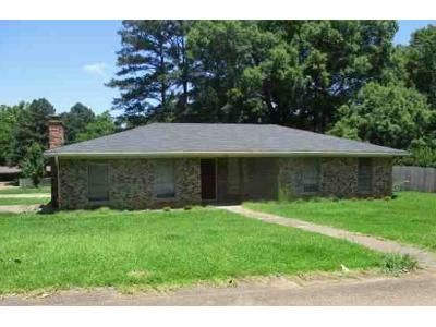 3 Bed 2 Bath Foreclosure Property in Pearl, MS 39208 - Upper Dr