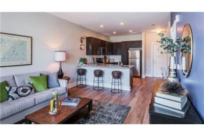 2 bedrooms Apartment - When you make the Bowery your home. Pet OK!