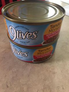 2 NEW(bought yesterday exp 10/20)9Lives cat food Tender Morsels Flaked Tuna in sauce