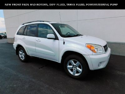 2004 Toyota RAV4 Base (Super White)