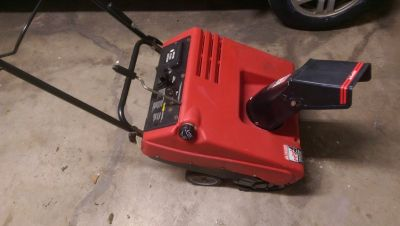 """Murray snow blower single stage 4.5 HP two cycle 21"""""""