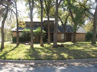 3 Bed 2 Bath Preforeclosure Property in Fort Worth, TX 76112 - Kramer Ct