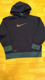 Boys Nike Therma Fit Hoodie Size Medium In Excellent Cond. Smoke Free