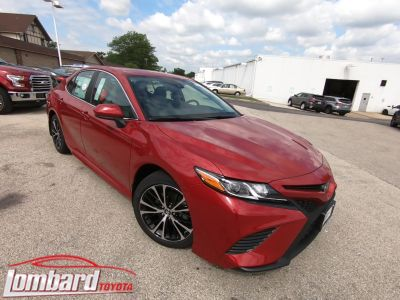 2019 Toyota Camry SE (Red)
