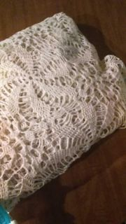 Large table cover or duvet cover, size 124 x 104, very nice, vintage.