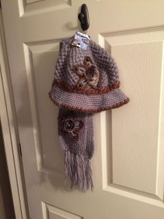 NWT hat & scarf. Nice. Pick up in Hernando
