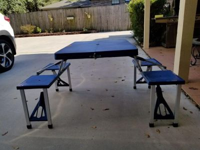 Portable kids picnic table new in box!