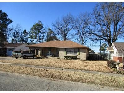 3 Bed 1.5 Bath Foreclosure Property in Blytheville, AR 72315 - N Crescent Dr