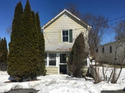 3 Bed 1 Bath Foreclosure Property in Coxsackie, NY 12051 - Raymond St