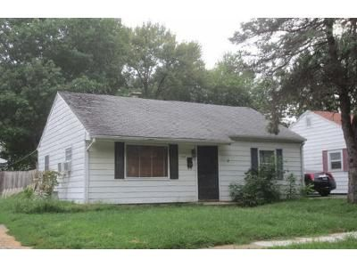 2 Bed 1 Bath Foreclosure Property in Springfield, IL 62702 - N English Ave