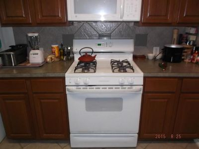 $250, GE gas ovenstove and microwave
