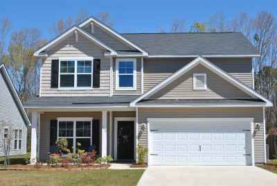 4 BR/2.5 BA Home for Sale-Richmond Hill GA