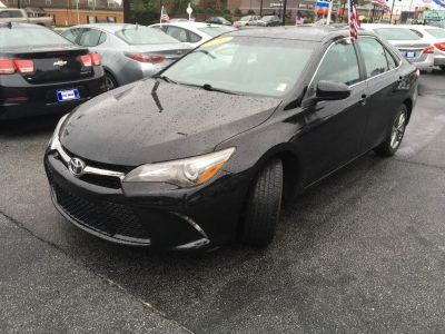 2015 Toyota Camry LE (Black)