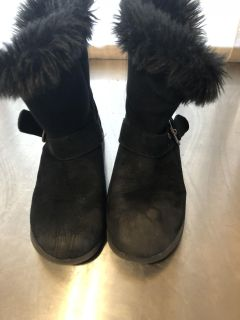Fuzzy buckle boots girls 13