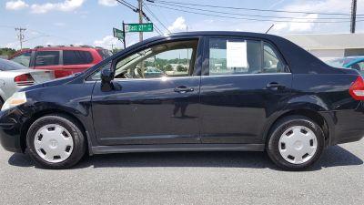 2009 Nissan Versa 1.8 S (Black)