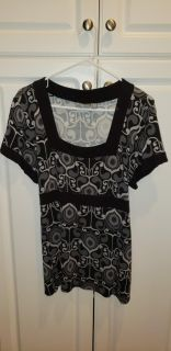 Cute Black and Grey Top.