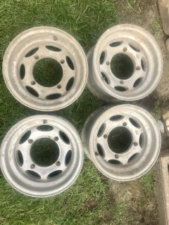 ITP Polaris rims 12x7