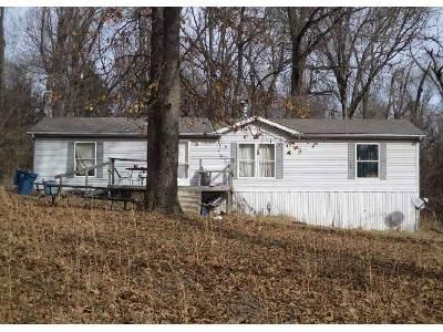 3 Bed 2 Bath Foreclosure Property in Springfield, MO 65803 - W Farm Rd 98