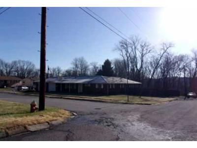 4 Bed 2 Bath Foreclosure Property in Weirton, WV 26062 - National Rd